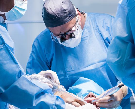 cirurgia-buco-maxilo-clinica-sergio-cruz-tubarao