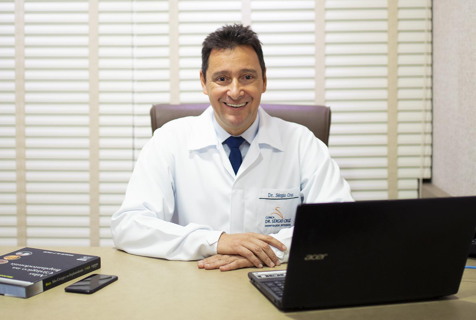 clinica-sergio-cruz-implantes-tubarao-sc-historia-v2